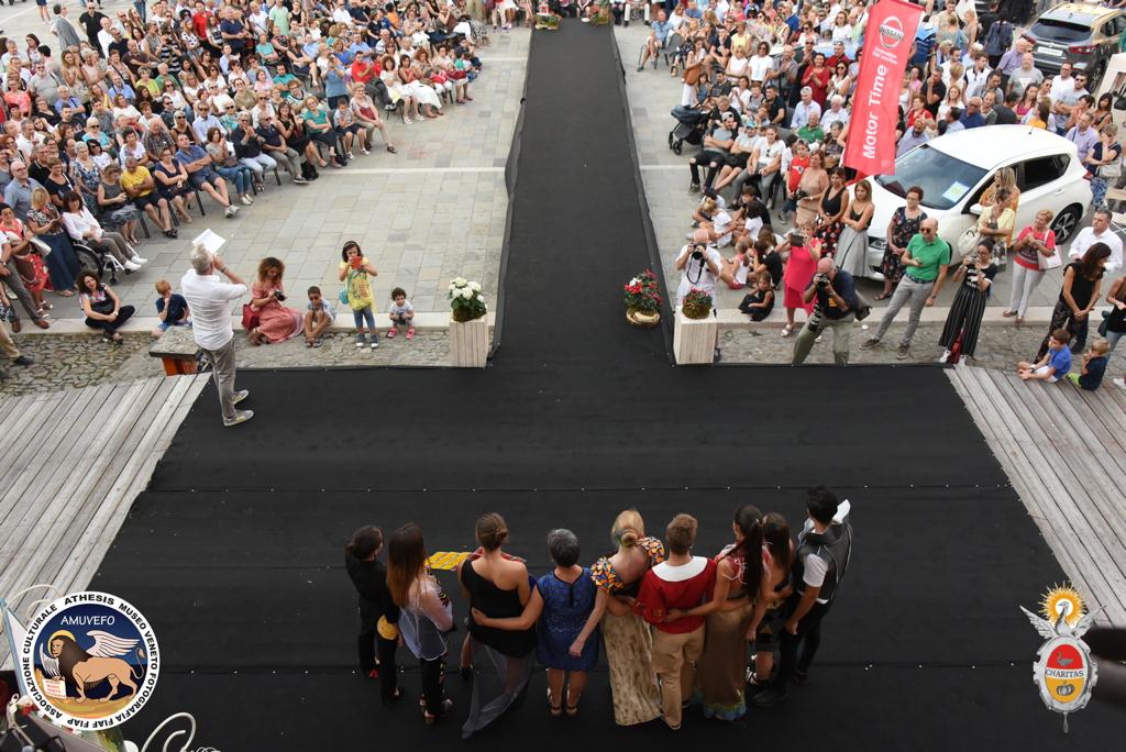 Vista d'insieme dela piazza centrale di Este per la manifestazione Este Sfila 2018 _ Graziano Zanin per Athesis